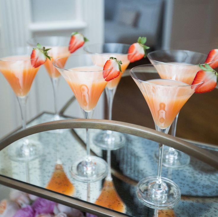 Valentine's Day Strawberry Martinis - Fashionable Hostess | Fashionable Hostess