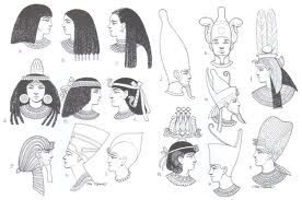 Los peinados al igual que los vestidos, indicaban el rango de la persona, eran expertos en confeccion de pelucas.