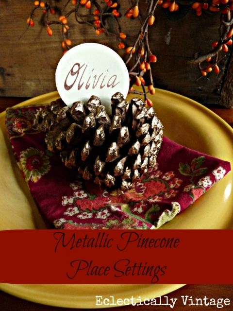Pinecone Place Card Holder - make some with a  little bit of bling for a festive table eclecticallyvintage.com