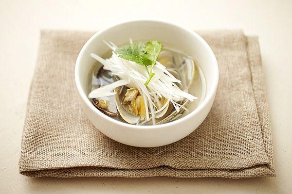 二日酔いの朝に! 濃厚エキスが美味しい「あさりの滋養スープ」のレシピ - macaroni
