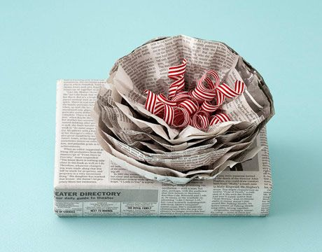 High-brow newspaper packaging #gifts #holiday: Christmas Gifts Wraps, Gifts Ideas, Paper Flowers, Diy Gifts, Bows, Wraps Gifts, Wraps Paper, Newspaper, Wraps Ideas