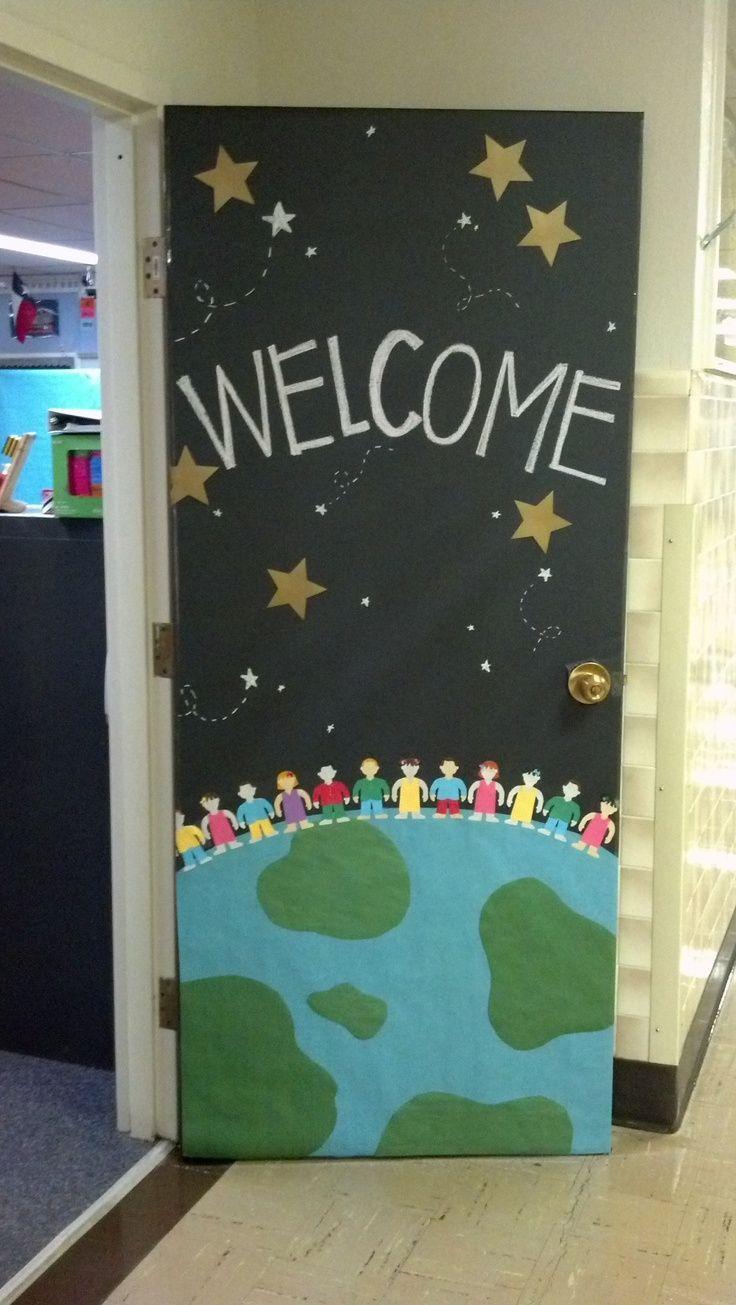 Decorating A Space Themed Classroom ~ Classe décoration de porte septembre classroom