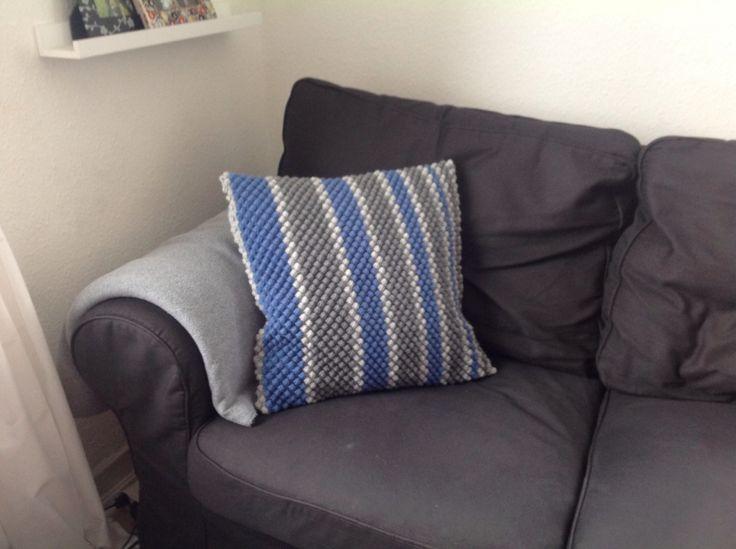 Crochet pillow - own design