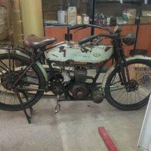 Koleksi Motor Klasik Levis Butterfield 1920 - SURABAYA
