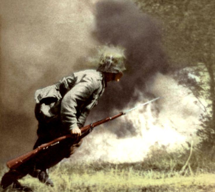 Magyar katona az aknatűzben.