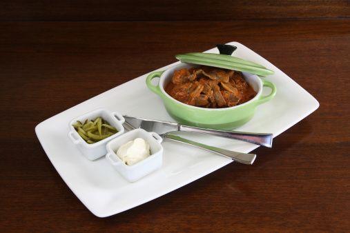 Buey Strogonoff (Bœuf Stroganoff)  Un clásico de la cocina internacional con origen en Rusia pero atribuido a la cocina francesa. http://www.alotroladodelcristal.com/2014/01/buey-strogonoff-buf-stroganoff.html