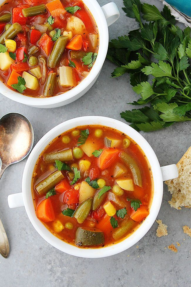 Homemade Vegetable Soup Is Easy To Make At Home And So Much Better Than Canned Soup Soup Easy Vegetable Soup Homemade Vegetable Soups Vegetable Soup Recipes
