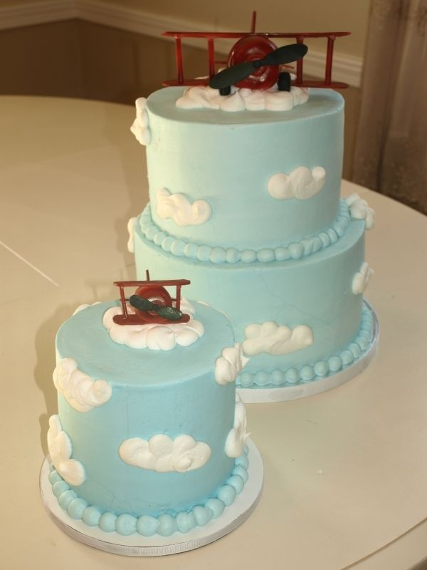 blue cloud airplane cake