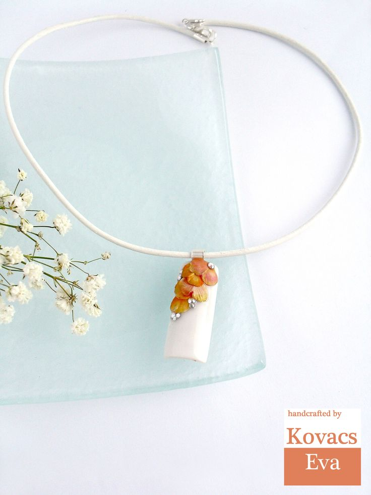 White porcelain pendant with orange ginkgo leaves.Ginkgo pendant.White leather necklace.Ginkgo necklace.Orange white necklace.