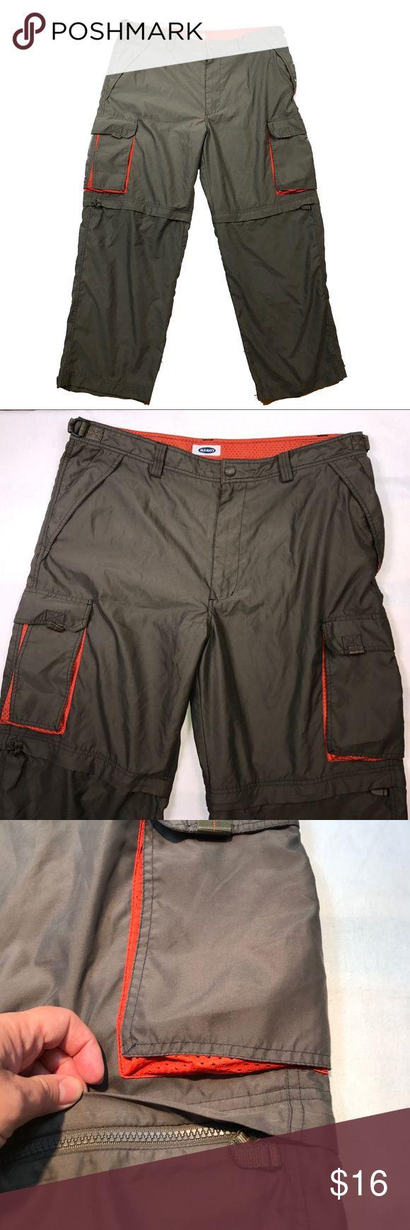 "Men's size W 42 L 30 Old Navy Cargo Pants & Shorts ▪️size 42"" waist, 30"" length when pants ▪️zippered bottoms to make into shorts Old Navy Pants Cargo"