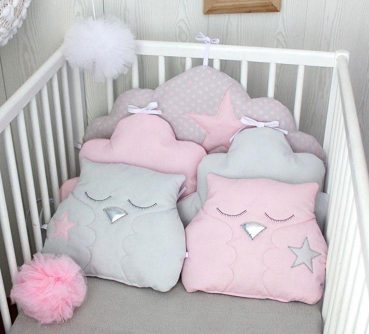 Tour de lit bébé fille, nuage et hiboux, rose dragée et gris perle, : Linge de lit enfants par petit-lion