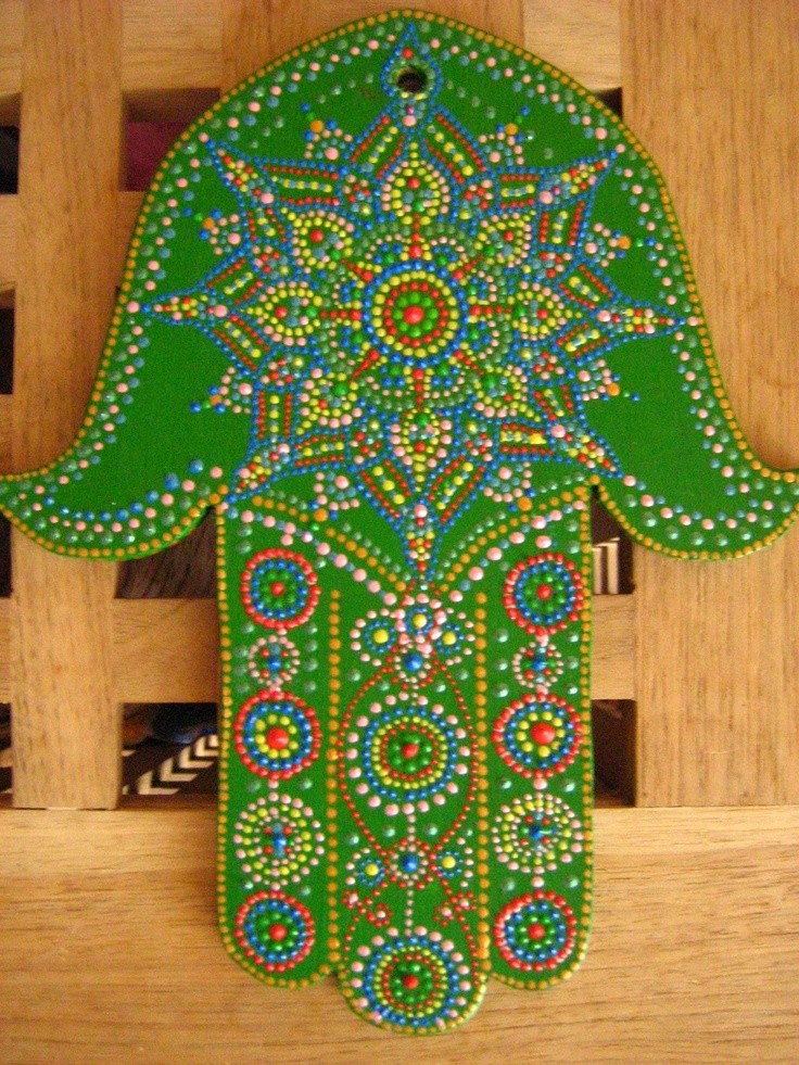 Art by Alexandra Fet: Green hamsa