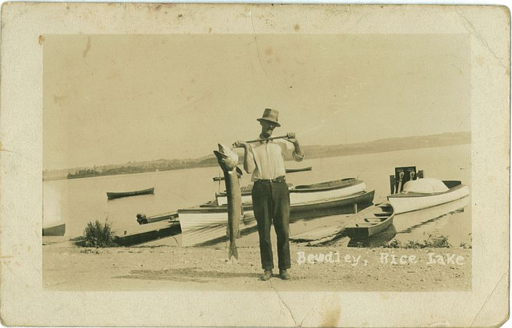 Man holding a muskie in Bewdley, Rice Lake, #Ontario. Circa 1920's Northumberland County Archives. http://www.northumberlandtourism.com/en/heritage/Our-History.asp