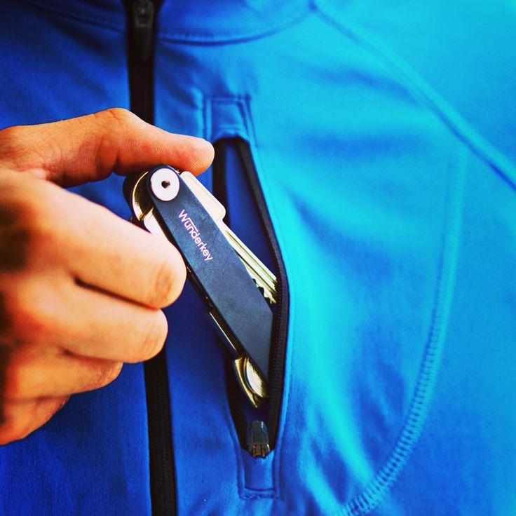 Der Wunderkey als neues Stilobjekt. Mit dem Keyorganizer dem Schlüsselchaos ein Ende machen - perfekt für joggen oder laufen. www.wunderkey.de  #Schlüssel #wunderkey #geschenk #geschenkidee #geschenkideen #verschenken #gadget #schlüsselhalter #schlüsselanhänger #Schlüsselbund #laufsport #laufen #joggen #guteidee #wenigeristmehr #germanblogger #blogger_de