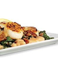 Seared Scallops with White Beans and Bacon by Adapted from Men's Health: http://recipes.menshealth.com/Recipe/seared-scallops-with-white-beans-and-bacon.aspx
