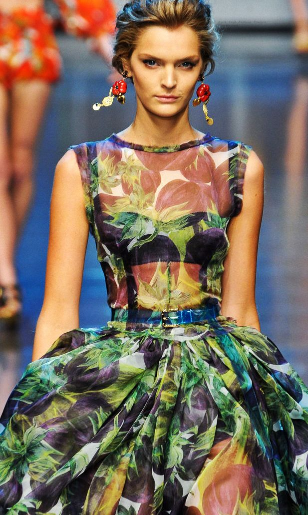 Dolce & Gabbana.: Little Dresses, Beautiful Earrings, Ball Gowns Dresses, Dolce Gabbana, Dolce & Gabbana, Digital Prints, Fashion Fabric, Floral Dresses, Couture Fashion