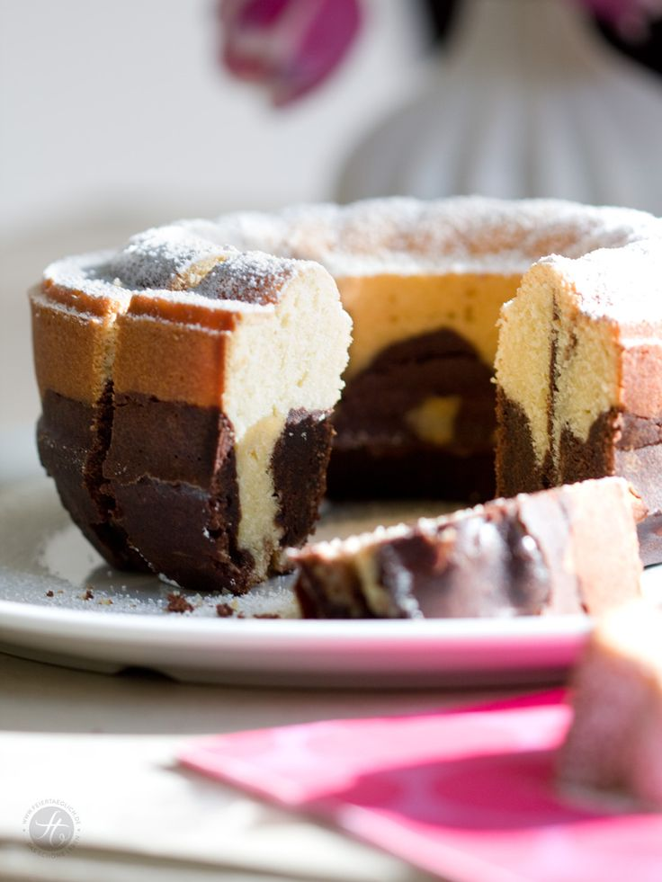 Saftiger Marmorkuchen | Marble cake