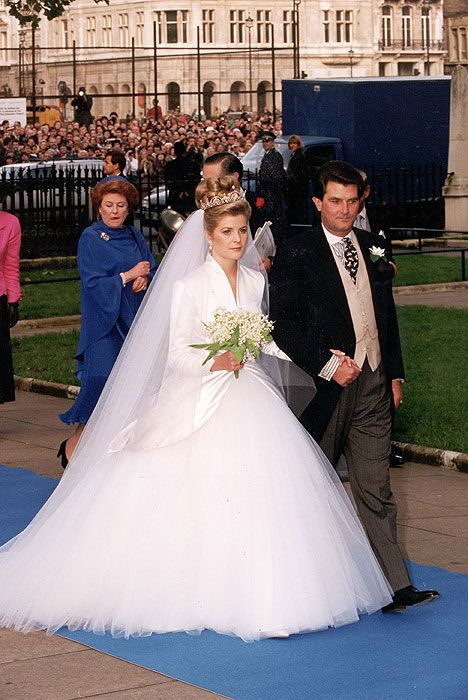 35 best the wedding of viscount linley to miss serena for British royal wedding dresses