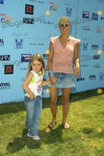 Nicole Eggert daughter | Photos and Pictures - Nicole Eggert and Daughter Dylan Midriffs ...