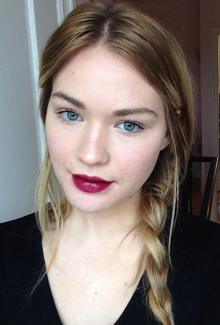 All Out Gorgeous- Mac  Makeup  Fair Skin Makeup, Pale -8226
