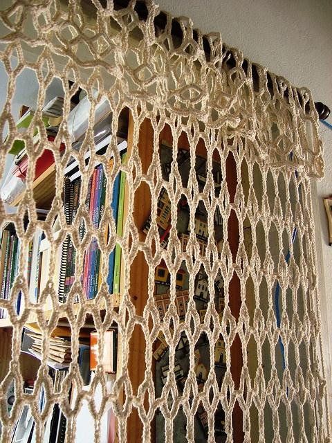 cortina de croche by E l i a n a R e i n a l d o, via Flickr