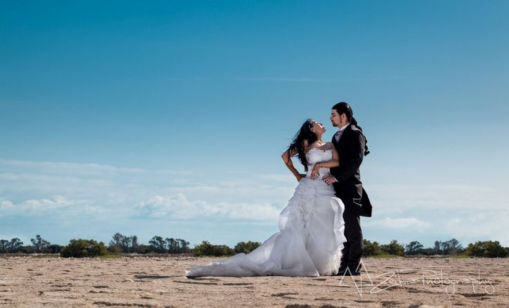 Zeiba Photography – Destination Weddings in the Yucatan Peninsula. This photo was in Chelem, Yuc. Magic session of the couple escaping to their new lives