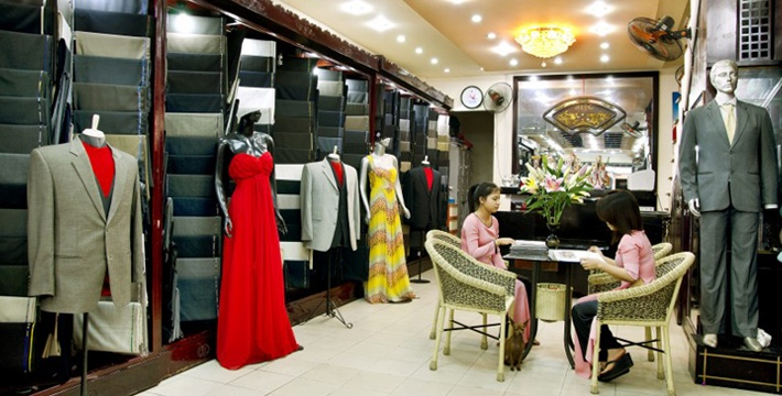 Ho Chi Minh City -- Heaven? The reviews say Miss Loan can do any design, any material and have it ready in 2 days.     I just HAVE to go visit her.     http://www.tripadvisor.com/Attraction_Review-g293925-d2494890-Reviews-Bao_Silk-Ho_Chi_Minh_City.html