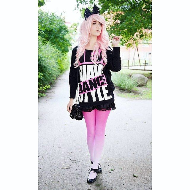 """""""saicachii: Another pair of gorgeous tights from @virivee  Don't you just love the gradient look?  And it comes in several different colors so go have a look mmk  .""""  https://virivee.com/"""