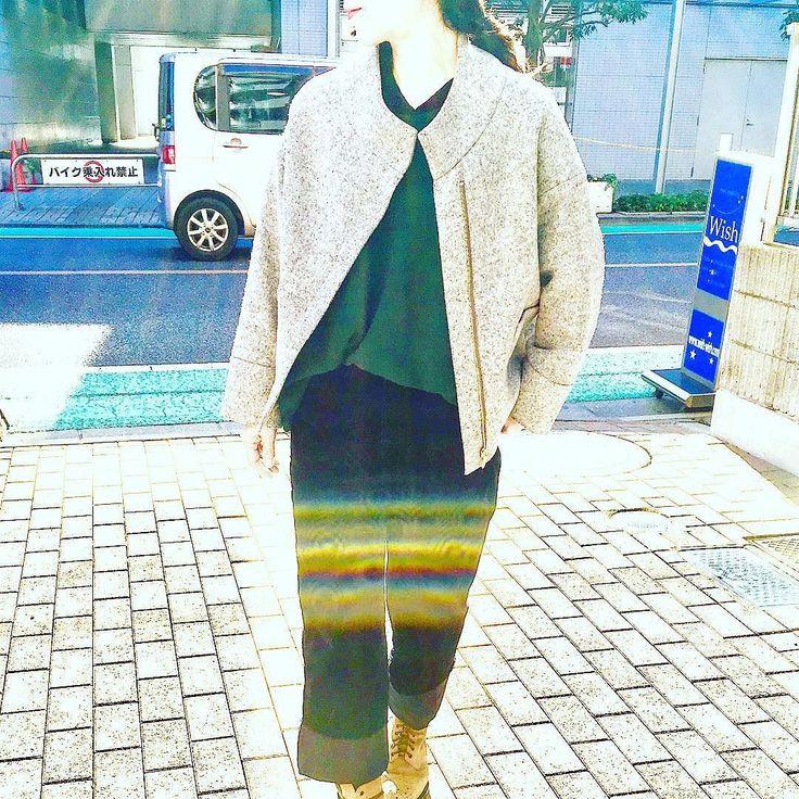 アイスグレーのクラシックショートコートにダークグリーンのロングニットとコーディロイワイドリブ #2017winter #2017秋冬 #2017秋 #2017aw #ootd #todayslook #coordinate #knitwear #urbanchics #instapic #instalike #fashiongram #instfashion #アラフィフ #アラフィフコーデ #アラフォーコーデ #アラフォー #東京 #調布 #調布市 #国領 #アーバンチックス