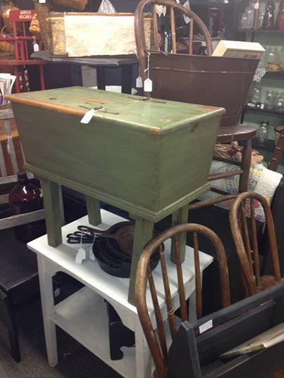Sugar Chest For Sale Peddleru0027s Corner, Antiques, Gifts And Home Décor In  Bedford
