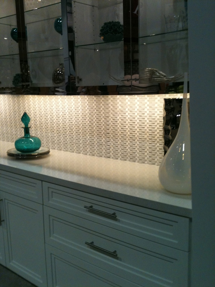 Here 39 S The Dal Tile Display Showing The Glass Mosaic