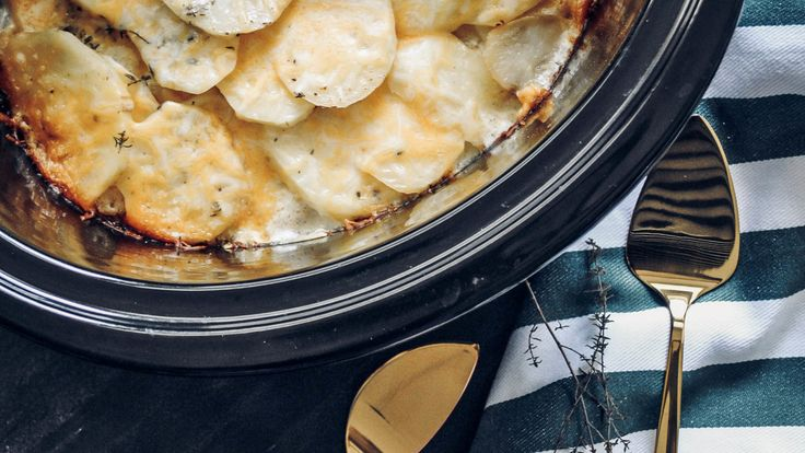 Cheesy Slow Cooked Scalloped Potatoes