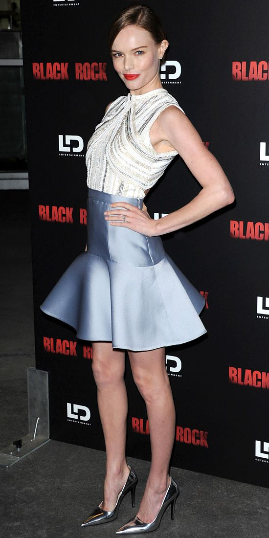 At the L.A. premiere of Black Rock, Bosworth styled her sculpted design with silver pumps.