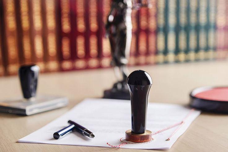 VvE Rechtspraak: Aansprakelijkheid verkrijger reikt niet verder dan het bedrag uit de opgave van de notaris blijkt  Appartementsrecht. De aansprakelijkheid van de verkrijger uit hoofde van artikel 5:122 lid 3 BW reikt niet verder dan tot het bedrag dat uit de opgave van de notaris blijkt (artikel 5:122 lid 5, tweede zin BW). Uit parlementaire geschiedenis van artikel 5:122 lid 5 BW moet worden afgeleid dat indien (zoals in het onderhavige geval) een opgave ontbreekt, de verkrijger niet…