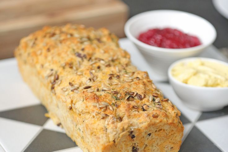 Koekedoor Tara se bierbrood is maklik en vinnig om te maak, maar baie lekker om te eet. Sit warm voor saam met hope botter.
