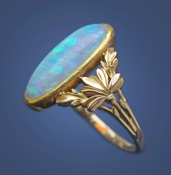 ART NOUVEAU Floral Ring Gold Opal. H: 1.9 cm (0.75 in).  French, c.1900.