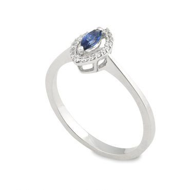 Ροζέτα δαχτυλίδι Κ18 από λευκόχρυσο με ζαφείρι σε κοπή μαρκίζα και διαμάντια μπριγιάν περιμετρικά | Δαχτυλίδια ΤΣΑΛΔΑΡΗΣ στο Χαλάνδρι #δαχτυλιδι #ζαφειρι #διαμαντια #ορυκτες