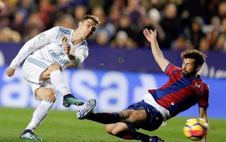 El Real Madrid se estrella en el Ciudad de Valencia (2-2)