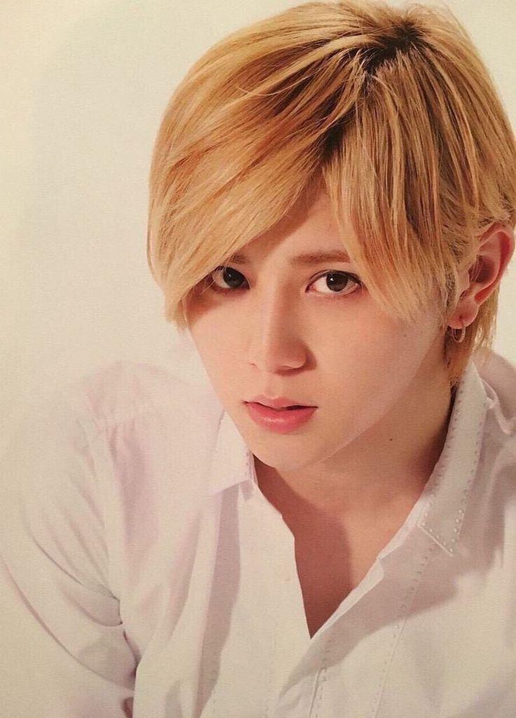 blonde-japanese-boy