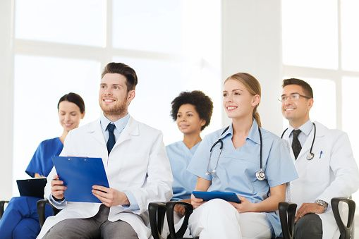 Διοικείστε Χωρίς να Επιβάλλεστε Αν νιώθετε την αποδοτικότητα της ομάδας σας να μειώνεται και τα αποτελέσματα στο ιατρείο σας δεν είναι στο ύψος των προσδοκιών σας, ένας επανακαθορισμός των κανόνων είναι απαραίτητος, για να σας επιτρέψει να διευθύνετε ομαλά και αποτελεσματικά.