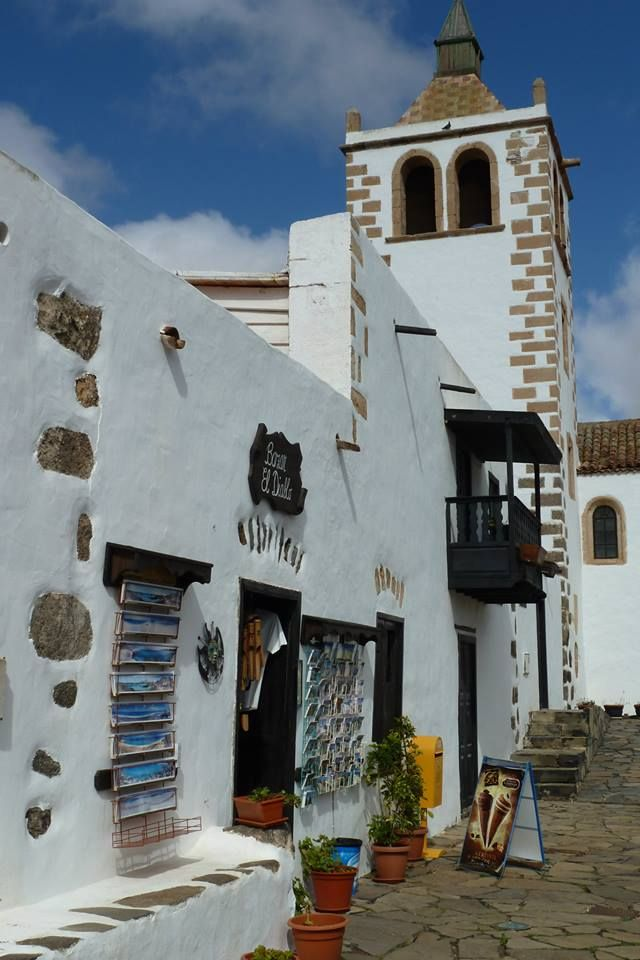 Caleta de Fuste, Fuerteventura. Photo credit: Michelle Collier