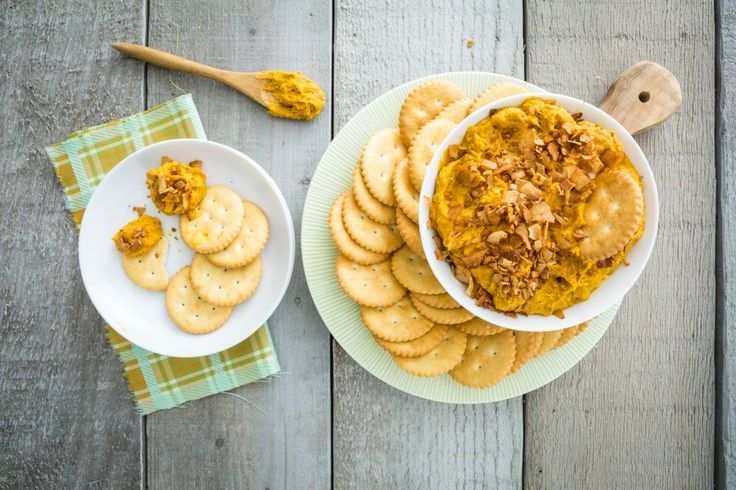 Cheddar Bacon Dip made from chickpeas #vegan #treat
