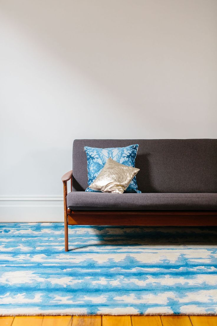 Tappeti, fine hand-crafted rugs & carpets   Feather