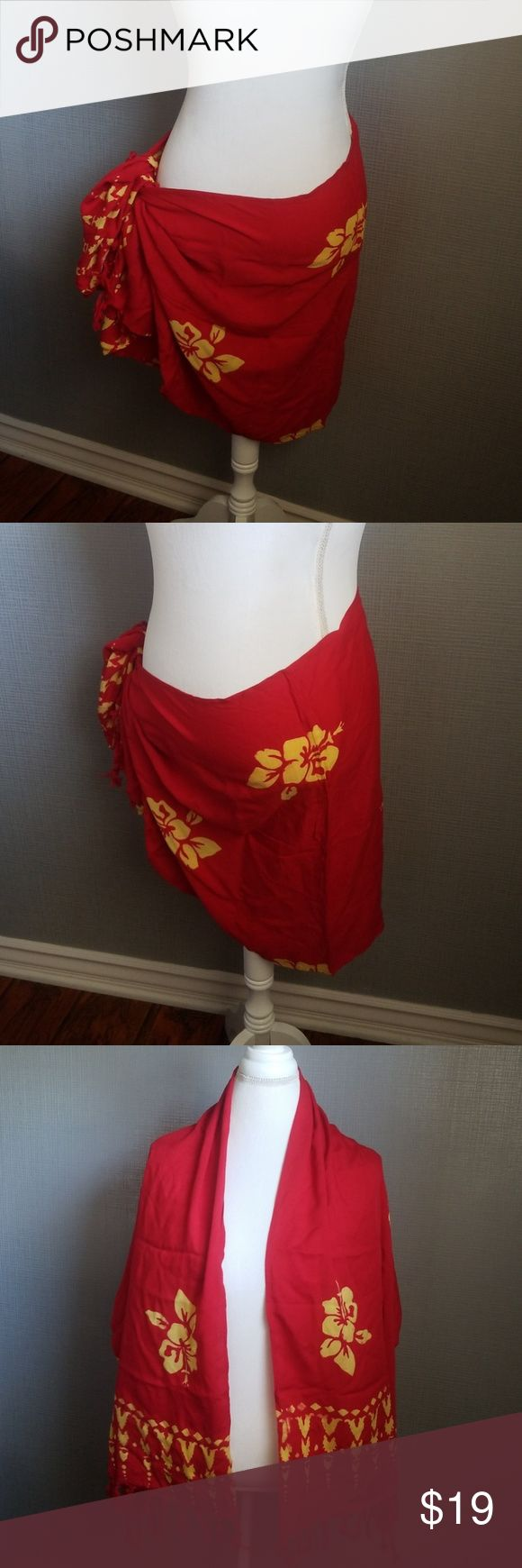 Hibiscus Collection Floral Short Sarong NWOT Wrap into a Skirt or use it as a Sh…