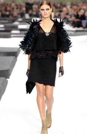 Modne sukienki karnawałowe - SUKNIE WIECZOROWE i balowe