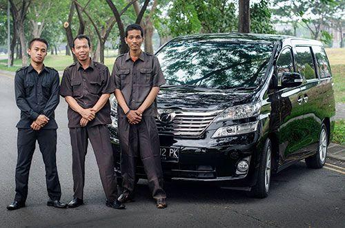 Pilihlah jasa rental mobil yang terpercaya. Kunjungi link berikut: http://blogs.rediff.com/sewamobilkita/2015/03/24/sewa-mobil-surabaya/