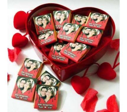 Kalp Kutuda Kişiye Özel Fotoğraflı Çikolatalar Kalp Kutuda Kişiye Özel Fotoğraflı Çikolatalar Ürün Kodu: fotograflicikolata-01 59,20  TL #çikolata #hediye