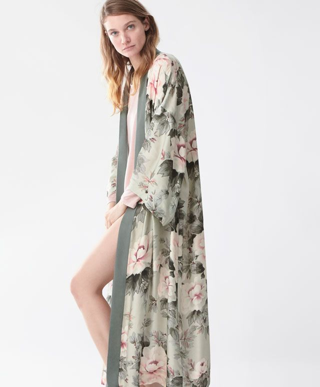 Japanese flower dressing gown - View All - House Robe - SLEEP | Oysho
