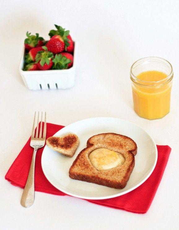 Love Nest Valentines Breakfast idea from PagingSupermom.com #valentines #valentinesbreakfast #valentinesmorning #heart #egg