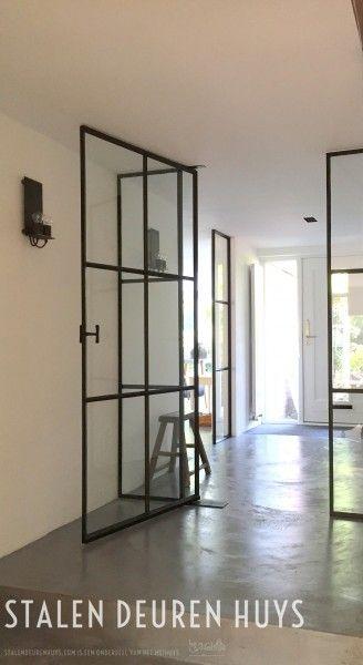 Stalen taatsdeuren met zijlichten, model Project Mijdrecht